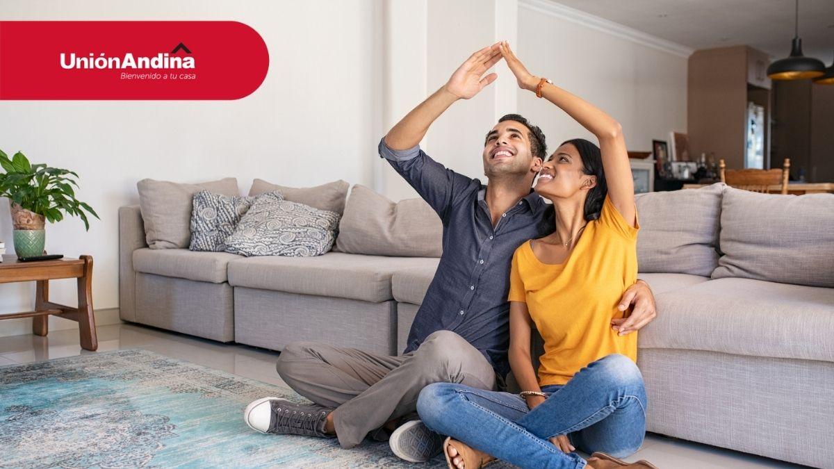 familia feliz con su crédito hipotecario